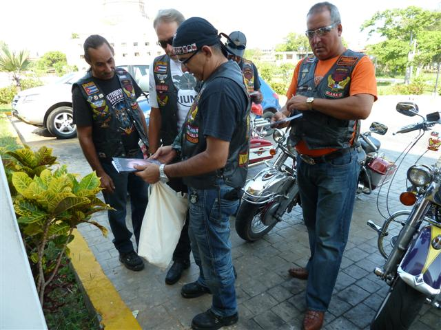 cuban-bikers06