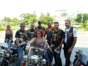 cuban-bikers08