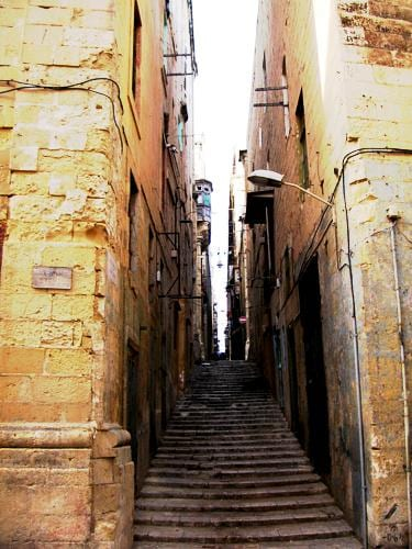 maltadiary1-straight-adn-narrow