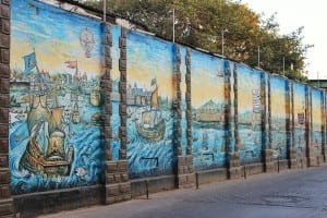 Mural depicting Bombay's maritime activities during the nineteen century- Lion Gate, Fort. Photo Courtesy: Aditya Chichkar.