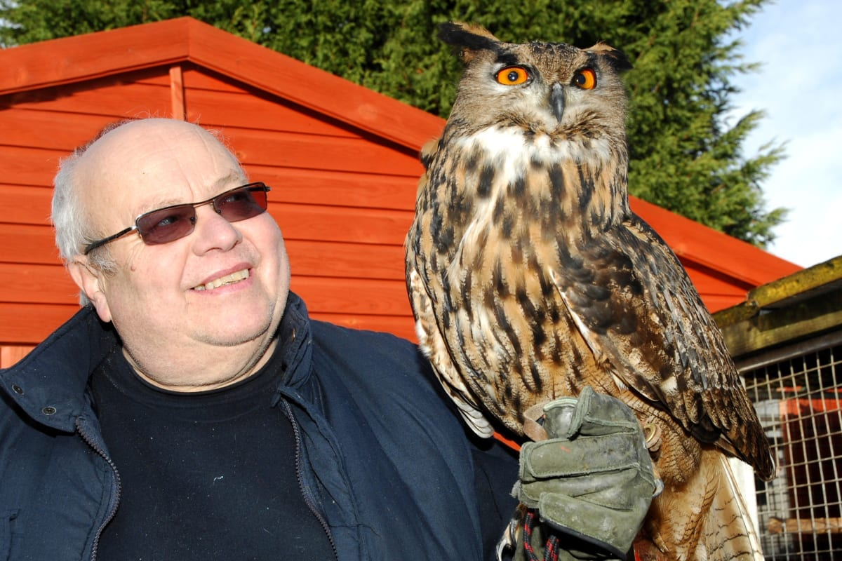 Geoff Grewcock and European Eagle Owl_Tysalls Photography