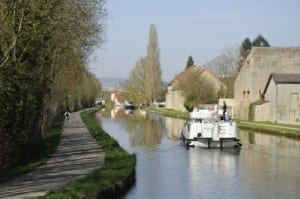 cruising-on-the-canal
