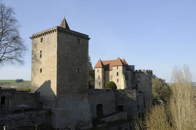 4-Castle-of-Couches