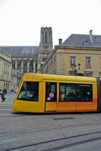 Hotel Crystal, Reims, is set back from the main precinct
