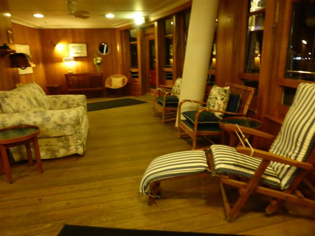 Royal Yacht Britannia 221 (Small)