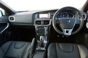 47380_Interior_dashboard_image_of_the_all_new_Volvo_V40_R_Design