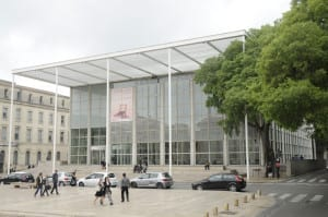 The Carréd'Art, museum of Modern Art