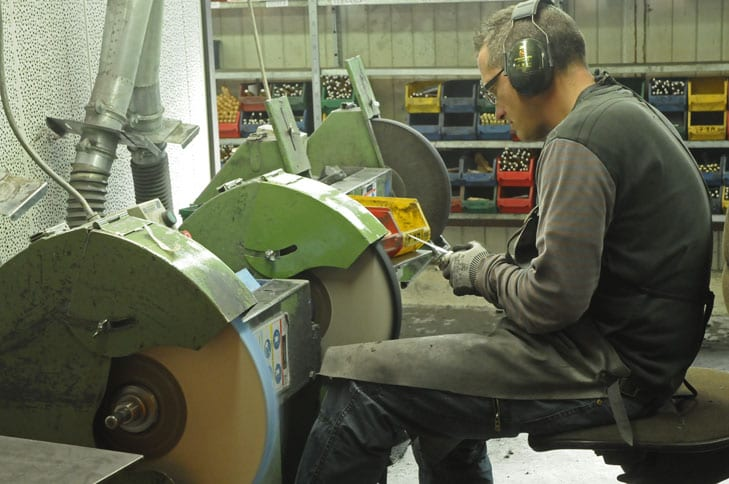 Grinding the blades