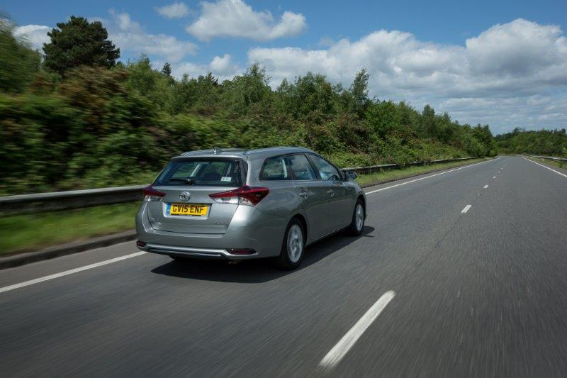 2015-Auris-Touring-Sports-exterior-dynamic-6