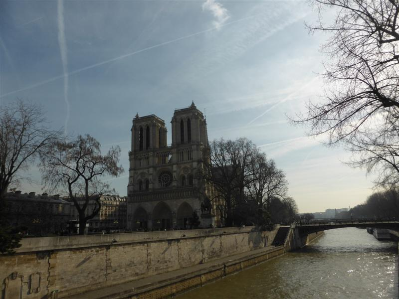 Notre Dame beside the Seine