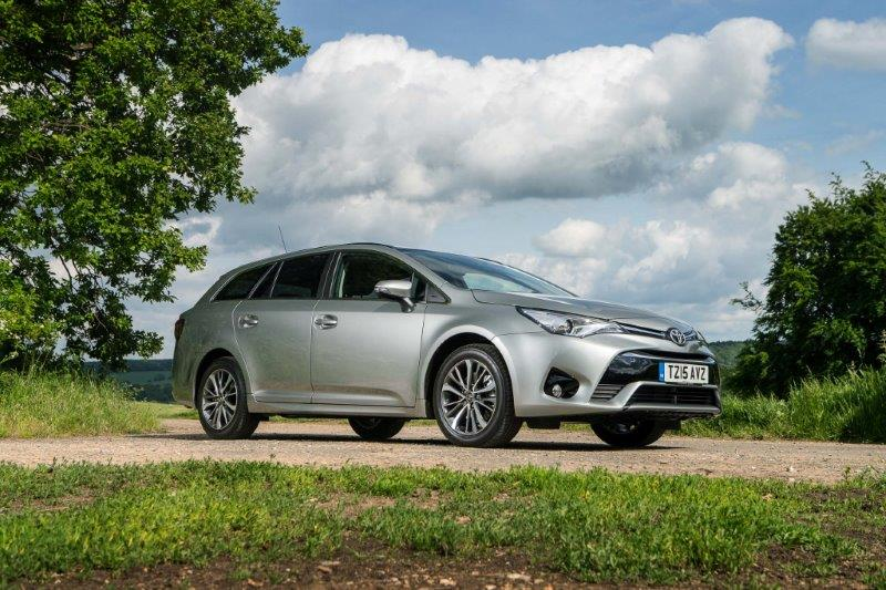 110615-1-toy-2015-Avensis-touring-sports-exterior-static-3