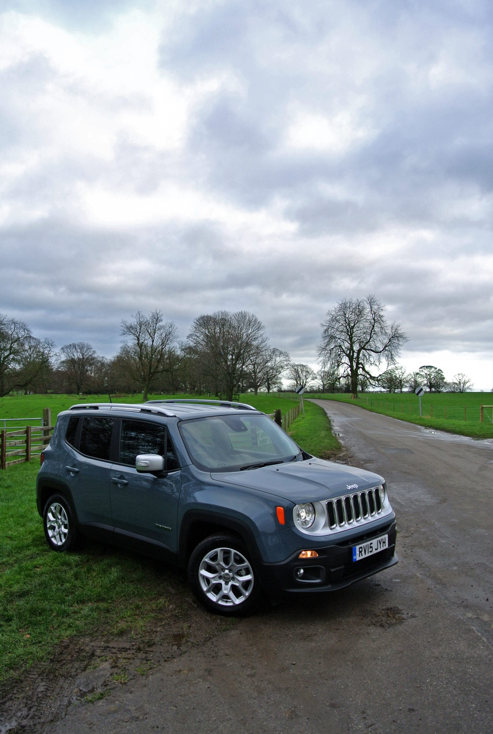 main magazine choice n from the styling that a renegade its was clearly fishing new rivals jeep differentiates review unique by img beach smart bush