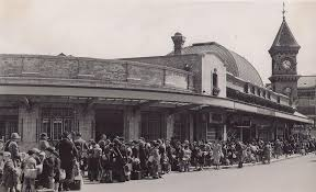 Evacuees at Eastbourne Railway Station