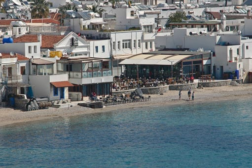 Bodrum restaurants and bars on the beach