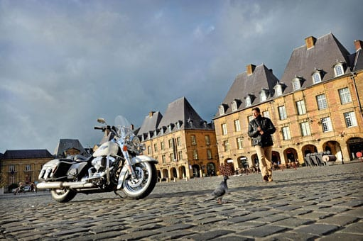 Biker visiting Ardennes region (photo Eric Corlay)