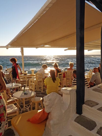 One of the numerous bars of Mykonos