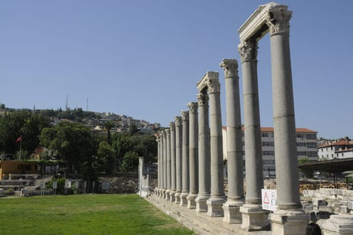 7- Antic colonnade on the Roman agora in Izmir