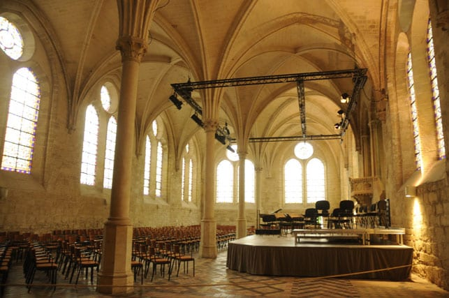 a-concert-hall-in-royaumont-abbey