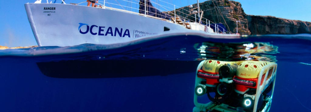 the-oceana-and-its-deep-sea-robot-at-work