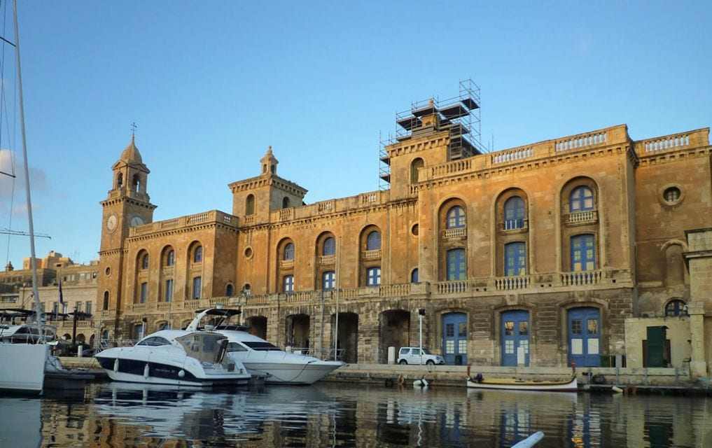 maltas-maritime-museum-situated-on-the-birgu-wharf