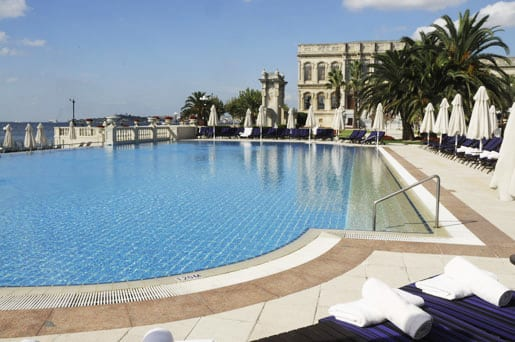 -the-swimming-pool-facing-the-bosphorus