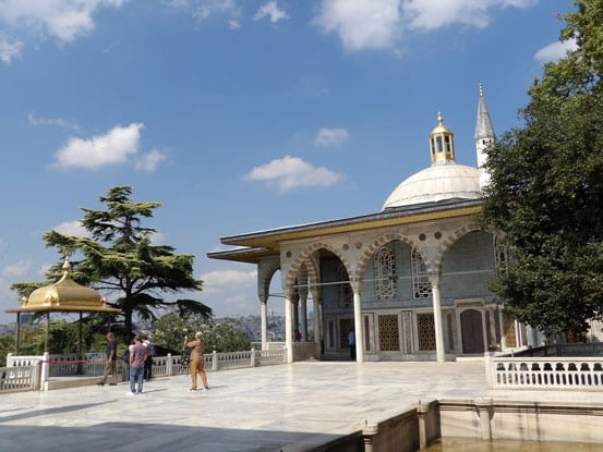-A-pavilion-with-a-view-in-Topkapi-Palace