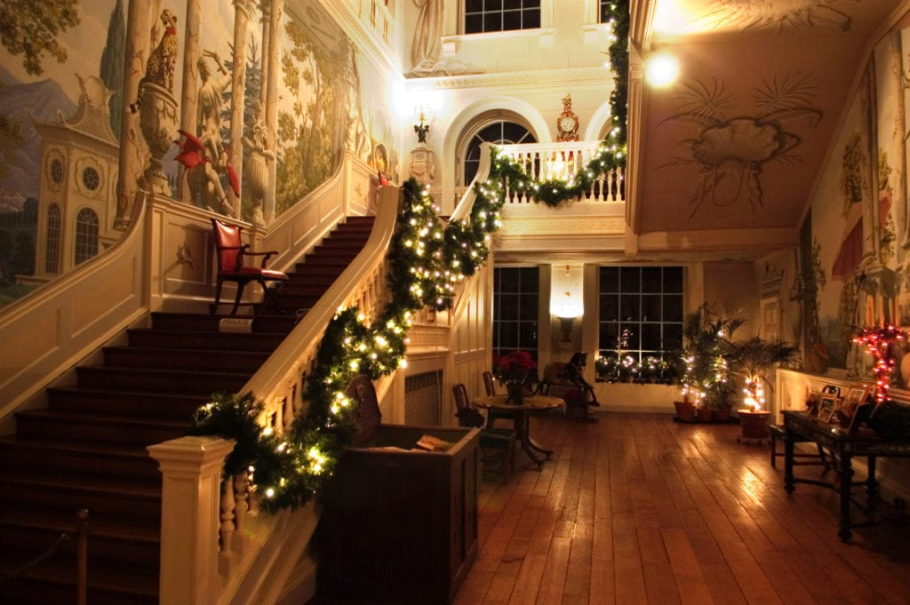 south-staircase-at-christmas