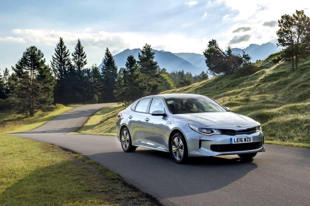 1237454_optima-hybrid-saloon-003