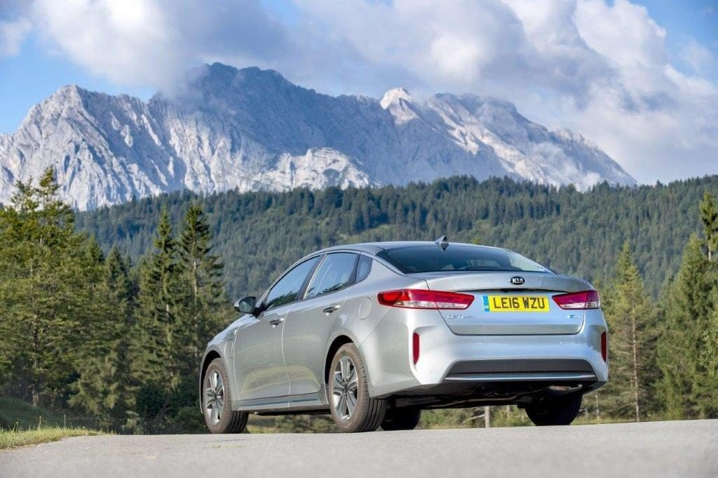 1237464_optima-hybrid-saloon-013