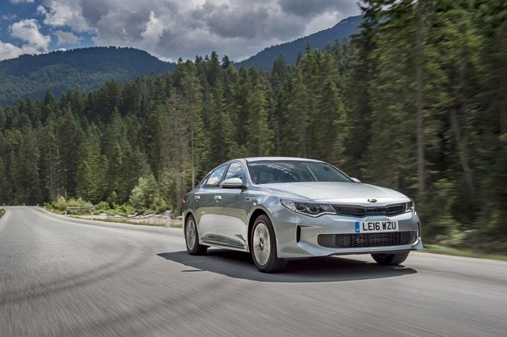 1237472_optima-hybrid-saloon-021