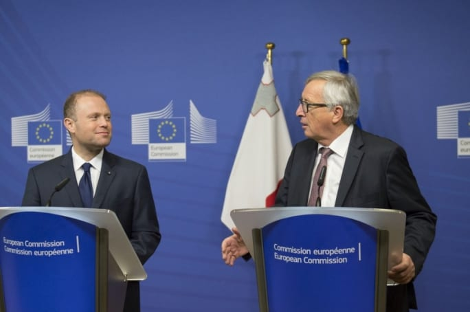 Maltese-PM-Joseph-Muscat-left-with-EU-Commission-President-Jean-Claude-Juncker
