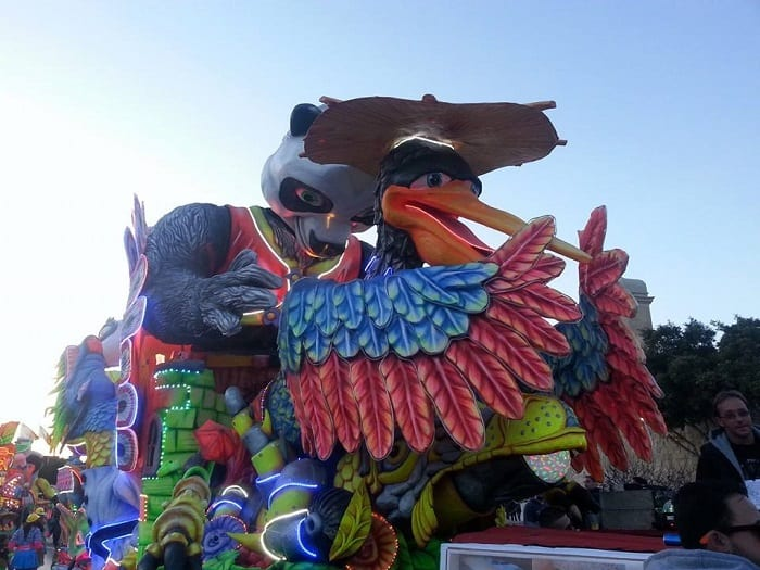 Carnival-float-elaborate-colourful-and-fully-mechanised.-Hours-of-hard-work-to-prepare