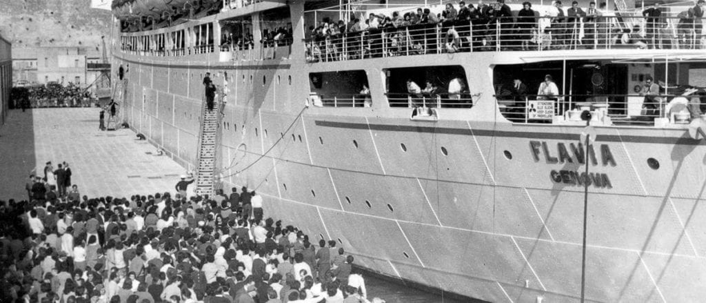 MalDia Thousands packed on boats to start a new life in a new world