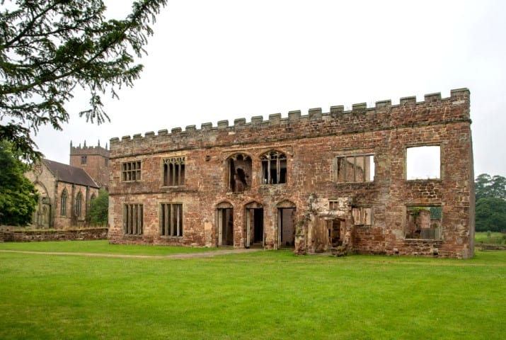 Pic Ruins and renovation of Astley Castle with St Mary the Virgin Church close by