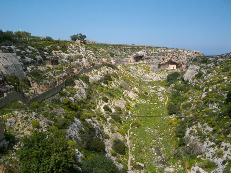 MalDia The Victoria Lines a valley that runs from Mosta to Naxxar
