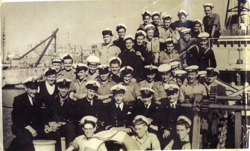 MalDia Maltese sailors adopted their own language signals to identify prowling officers