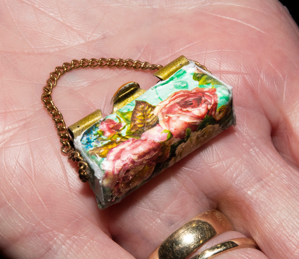 Pic Little handbag made at one of the workshops at the Miniatura show