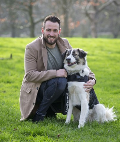 Pic Syrian rescue dog Barrie with Sean Laidlaw