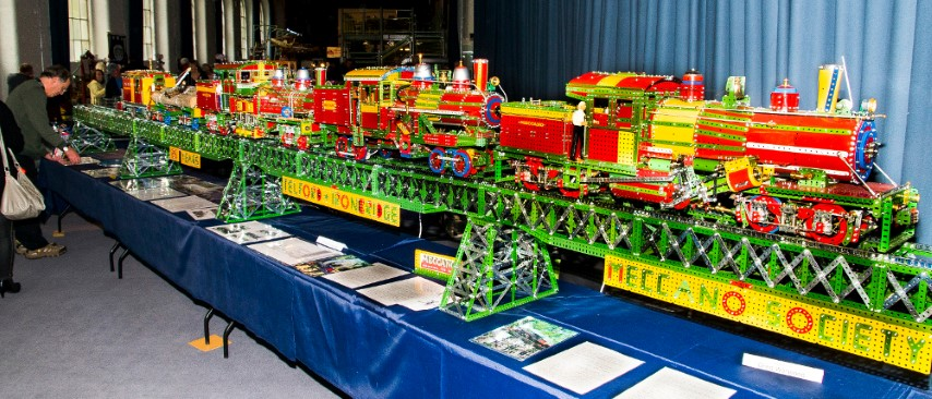 Pic Meccano taken to another level This was built by Greg Worwood of the Meccano Society