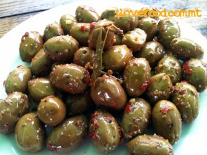MalDia Delicious cured olives many cure their own