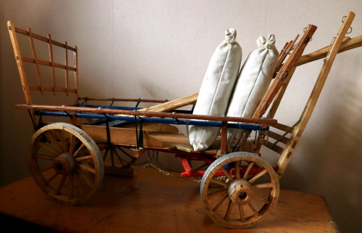 A Sussex Hop Wagon with stuffed hop bags