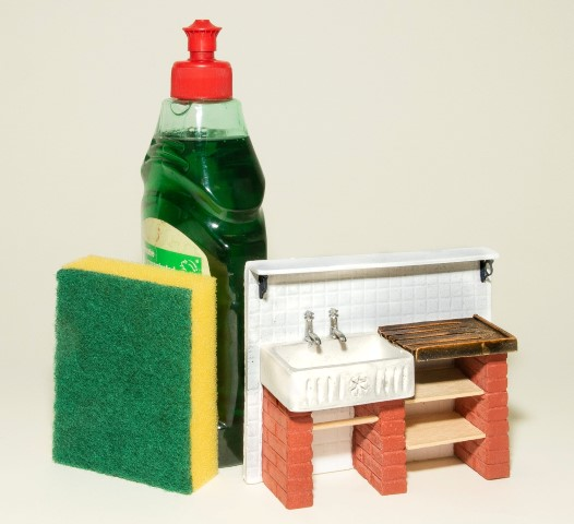 Pic Youll find everything at Miniatura including the kitchen sink which is made by Hearth and Home Miniatures