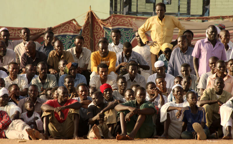 Spectators at Nubian wrestling at Souk Sita