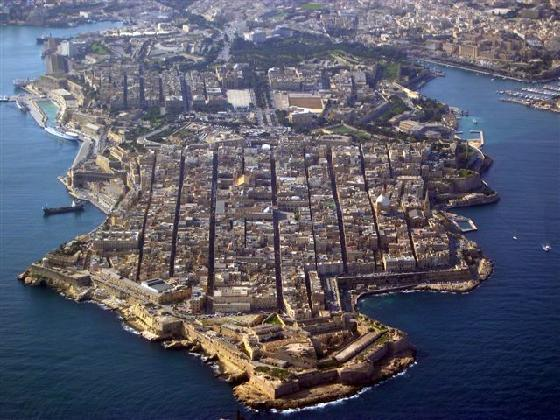 MalDia An aerial view of Valletta and its grid system