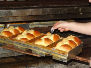 2-Brioche-Vendeenne-just-out-of-the-oven-