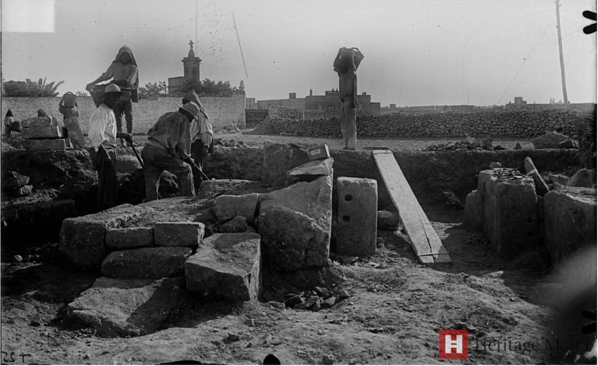 MalDia-01-17-02-21-Excavation-work-on-the-Tarxien-Neolithic-Temples-in-1915