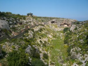 MalDia-09-10-02-21-The-Victoria-Lines-a-valley-that-runs-from-Mosta-to-Naxxar.