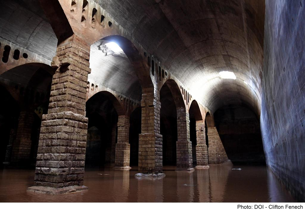 MalDia-01-10-03-21-The-underground-cathedral-water-reservoir-constructed-by-the-Royal-Navy-120-years-ago.-Copy