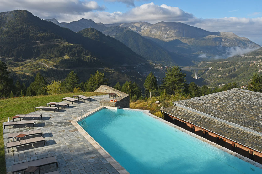10-Swimming-pool-with-a-view-at-Grand-Forest-Metsovo