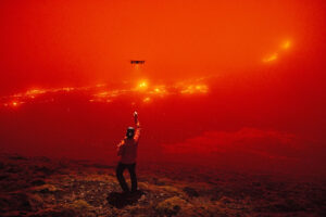 6-The-man-with-a-drone-facing-the-Geldingadalur-eruption